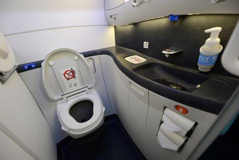 airplane+toilet