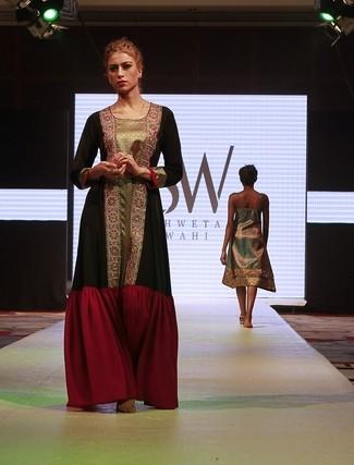 Dubai Hosts The Indian Fashion Week